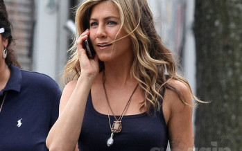 Jennifer Aniston might fo topless in Millers 2