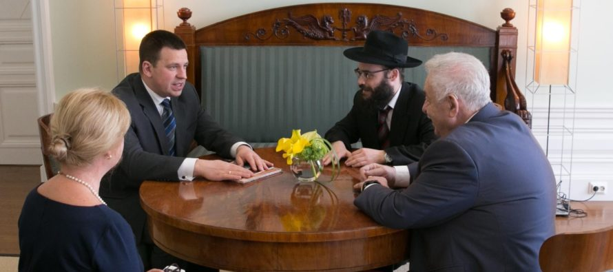 Estonian PM Jüri Ratas met with the Estonian Jewish Community's chairman Boris Oks and the cheif rabbi Šmuel Efraim Kot