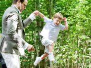 Three-year-old Prince Oscar, Duke of Skåne, visits Skäralid + VIDEO