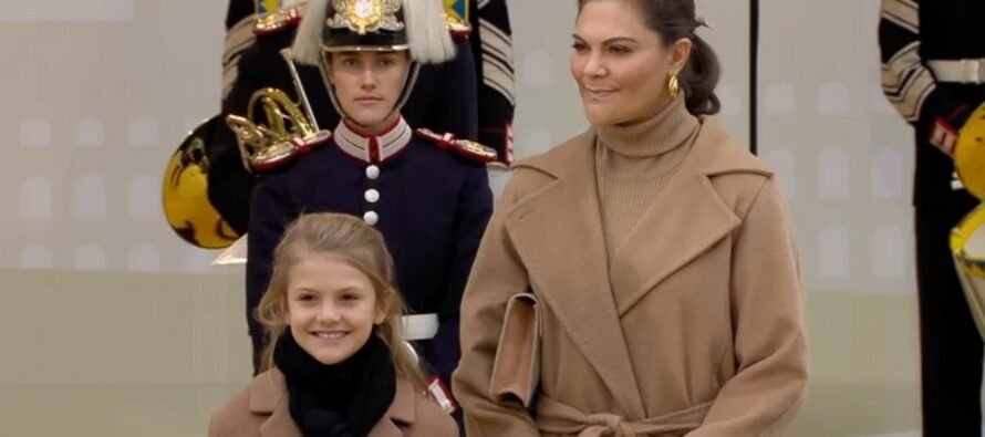 Sweden: Princess Estelle joins her grandfather King Carl XVI Gustaf and mother, Crown Princess Victoria to open new Slussbron