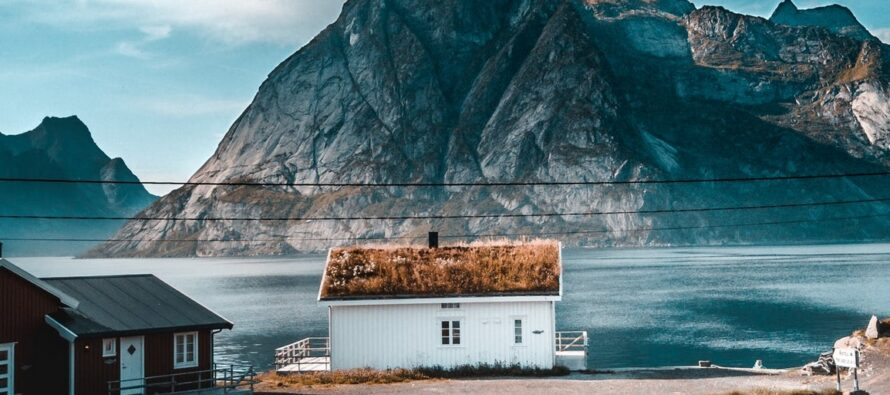 Norway: Stay at home, have as little social contact as possible