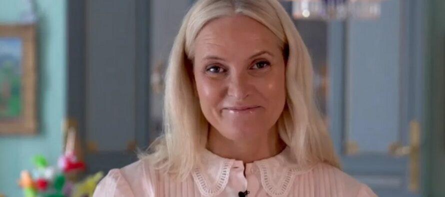 Norway: Crown Princess Mette-Marit launches digital literature-train